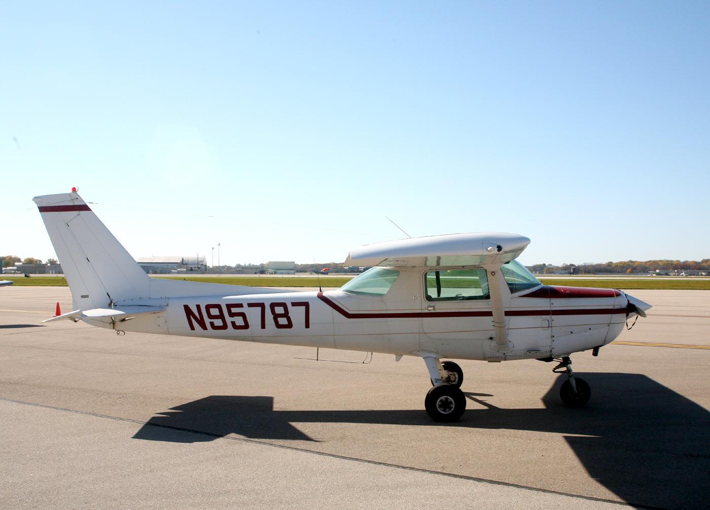 Cessna 152 N95787