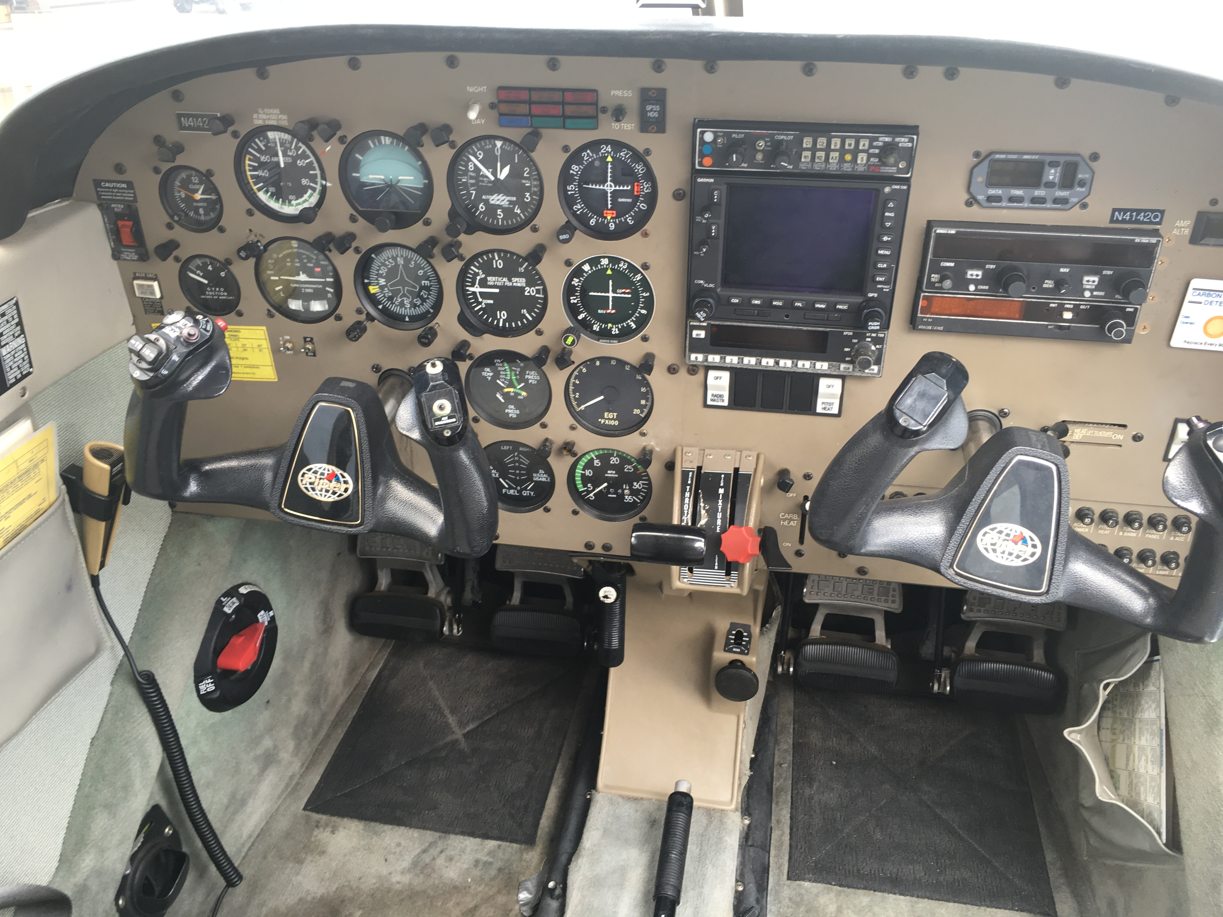 N4142Q-panel