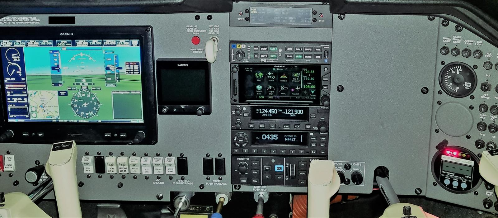 Avionics-HeaderPhoto